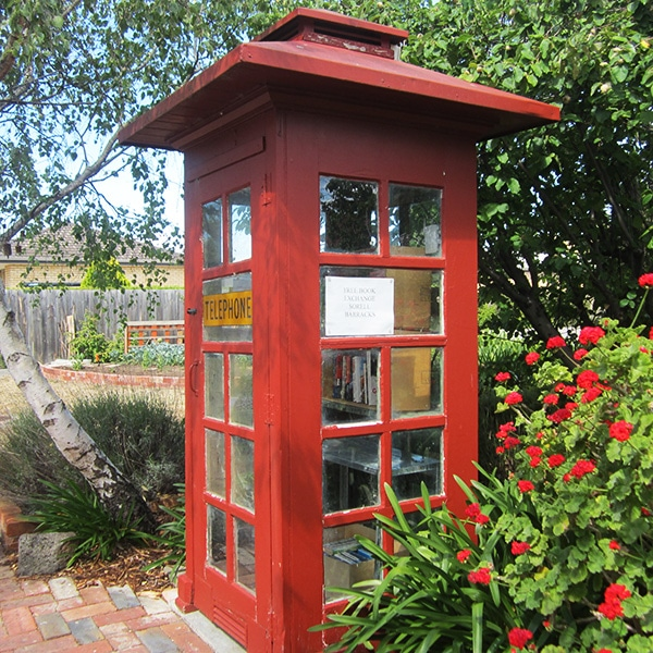 Red-Phonebox---Book-Exchange